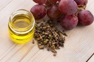 क्रो'ज फूट : अंगूर के बीज के तेल (grapeseed oil) के फायदे