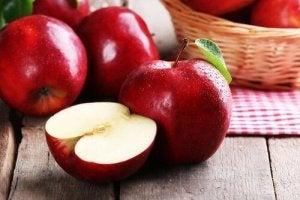 किडनी डिटॉक्स: सेब और सेलरी जूस
