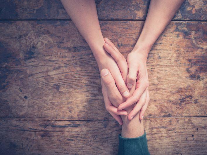 ऑब्सेशन नाम का कीड़ा आपके रिश्ते की जड़ों को खोखला कर सकता है