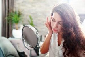 झुर्रियों से कैसे पाएं निजात (How to get rid of wrinkles)