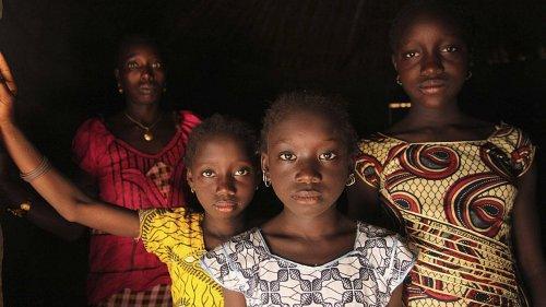 अफ्रीकी देशों ने महिला खतना को अलविदा कहा