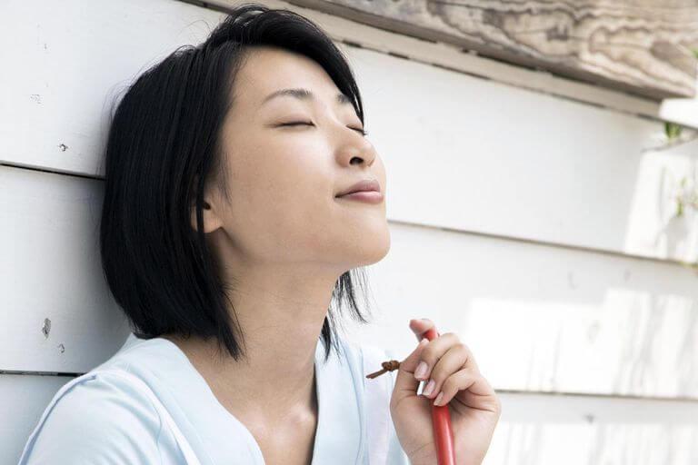 डीप ब्रीदिंग (Deep Breathing) आपके तनाव को भी कम करती है