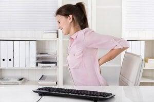 शहद और हल्दी जिलेटिन स्क्वेयर : पीठ दर्द