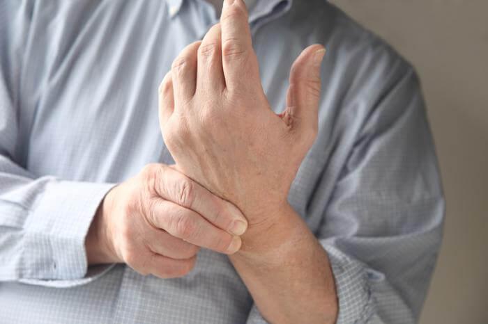 जोड़ों के दर्द के पीछे संक्रमण का हाथ हो सकता है