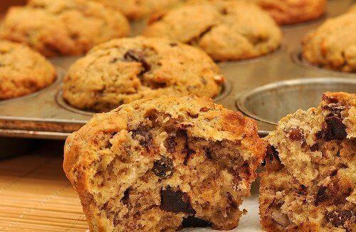 1. ओट मफिन्स (Oat Muffins)