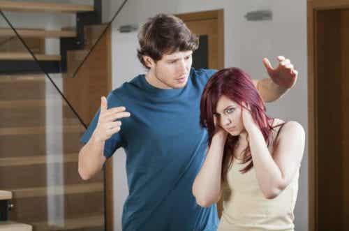 7 बातें जिन्हें आपको रिश्तों में कभी नहीं सहन करना चाहिए