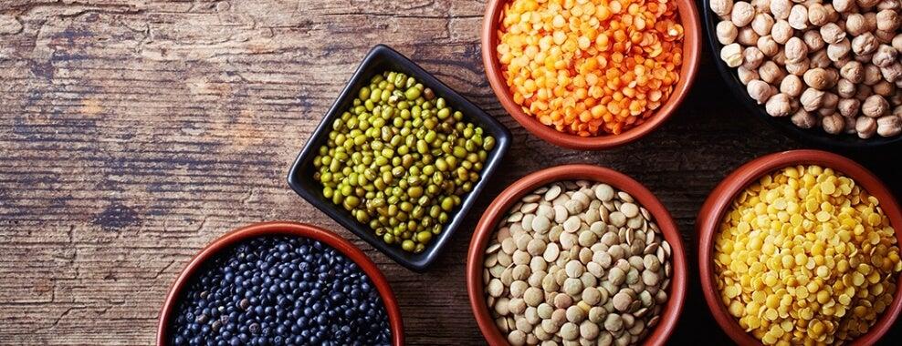 सब्ज़ियों की मदद से स्वादिष्ट दाल बनाना सीखें