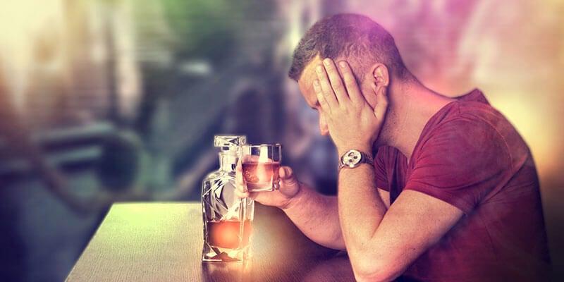 अपनी शराब की लत की पहचान कैसे करें?