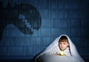 बच्चे : अकेले होने का डर