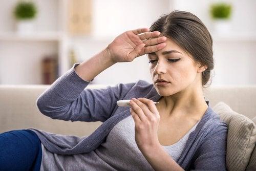 बुखार पर काबू पाने के लिए घरेलू इलाज