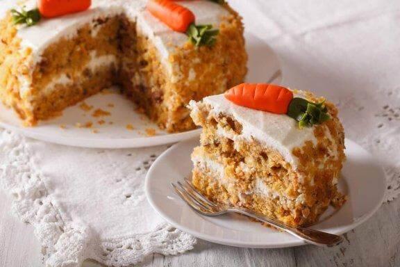 जानें कैसे बनता है स्वादिष्ट फैट फ्री, बिना अंडे वाला वीगन कैरट केक