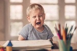 बचपन का तनाव क्या है?