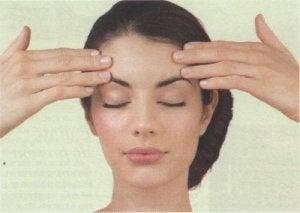 सिरदर्द : सिर की मालिश (Head Massage)