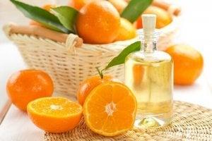 धूप से बालों को बचायें : mandarin and jojoba oil