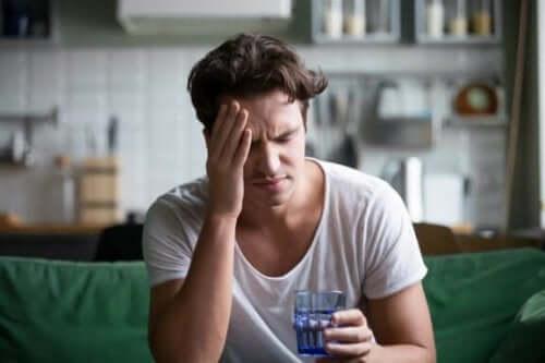 5 प्राकृतिक नुस्ख़े जो देंगे सिरदर्द से छुटकारा