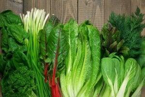 एंटी-इफ्लेमेटरी खाद्य में अहम हैं हरी पत्तेदार सब्जियां
