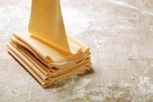 वेनिला स्लाइस कैसे बनाएं : पफ पेस्ट्री लेयर