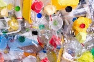 कूड़ा-कचरा कम करने के लिए पैकेजिंग पर नजर रखें