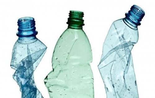 12 दिलचस्प तरीके : प्लास्टिक की बोतलों को दोबारा इस्तेमाल करें