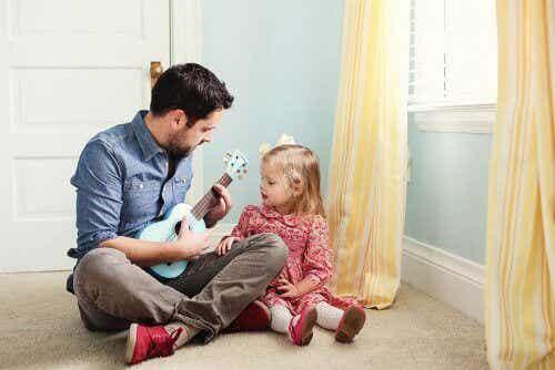 8 बातें जो बेटी को एक मजबूत महिला बनाने के लिए पिता को करनी चाहिए