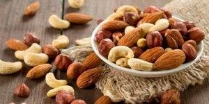 प्रोटीन की कमी : बीज और नट्स
