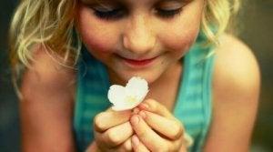 हैपिनेस जार हमारे बच्चों को सिखाने में मदद करता है