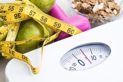 जैसे-जैसे आप बड़े होते हैं, वजन घटाना मुश्किल होने लगता है