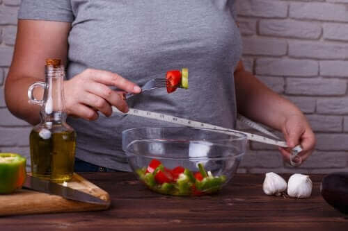 3 वेट लॉस डाइट जो आपकी सेहत को खतरे में नहीं डालती हैं