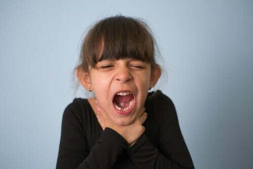 बच्चों में चोकिंग : क्या करना चाहिए और इसे कैसे रोकें
