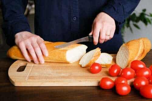 क्या ब्रेड आपको मोटा बना रही है