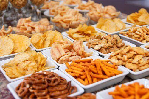 ब्लोटिंग से बचें : इन 7 खाद्यों को न खाएं