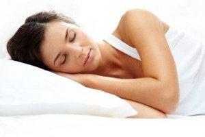 मसल-मास बढ़ाने के लिए अच्छी नींद लें