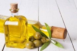 खूबसूरत पलकें : जोजोबा तेल (Jojoba oil)