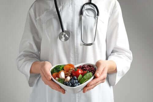 हार्ट को तंदरुस्त रखने के लिए स्वस्थ भोजन खाएं