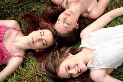 क्या यह सच है कि महिलाओं के पीरियड सिंक्रोनाइज़ होते हैं?