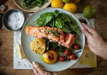 डिनर जल्दी खाना वजन घटाने और डायबिटीज रोकने में मददगार है