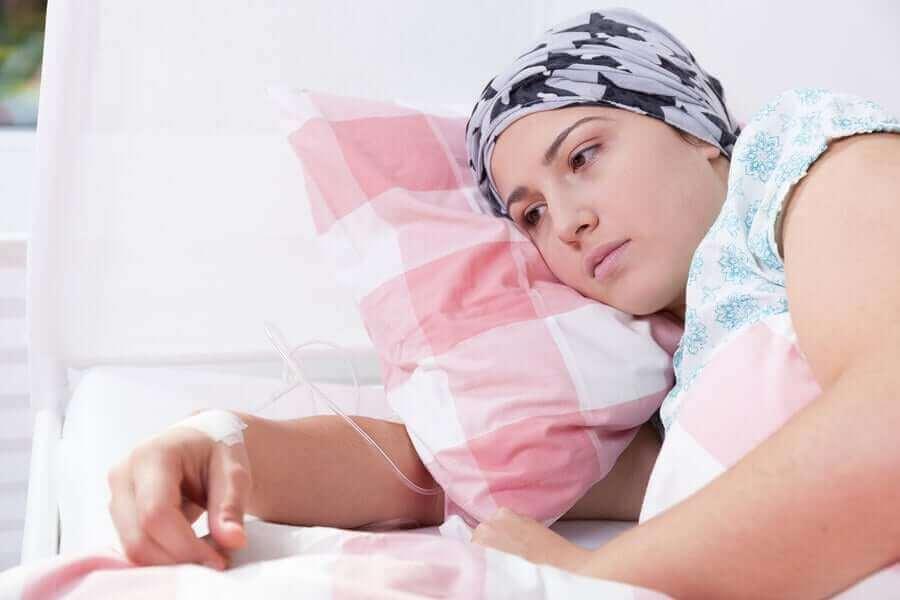 कैंसर सिर्फ शारीरिक नहीं, भावनात्मक सेहत पर भी असर डालता है