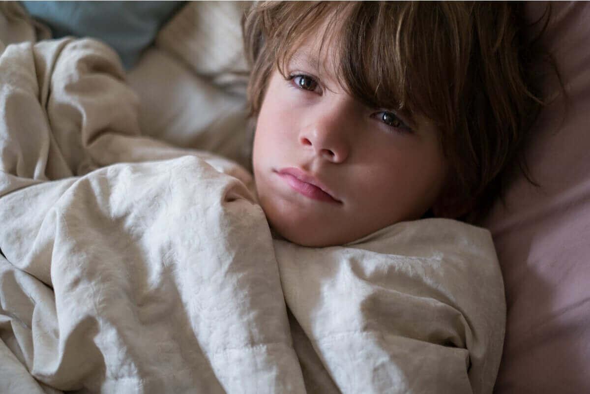 बच्चों में आंखों के नीचे डार्क सर्किल के आम कारण
