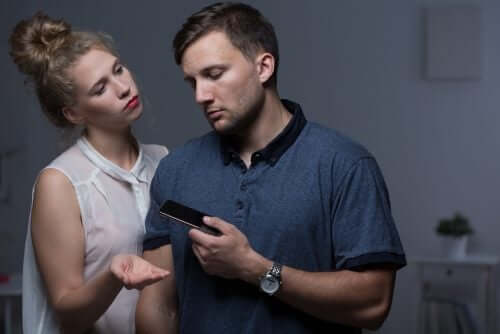 5 किस्म के व्यवहार जो रिश्ते में दरार की भविष्यवाणी करते हैं